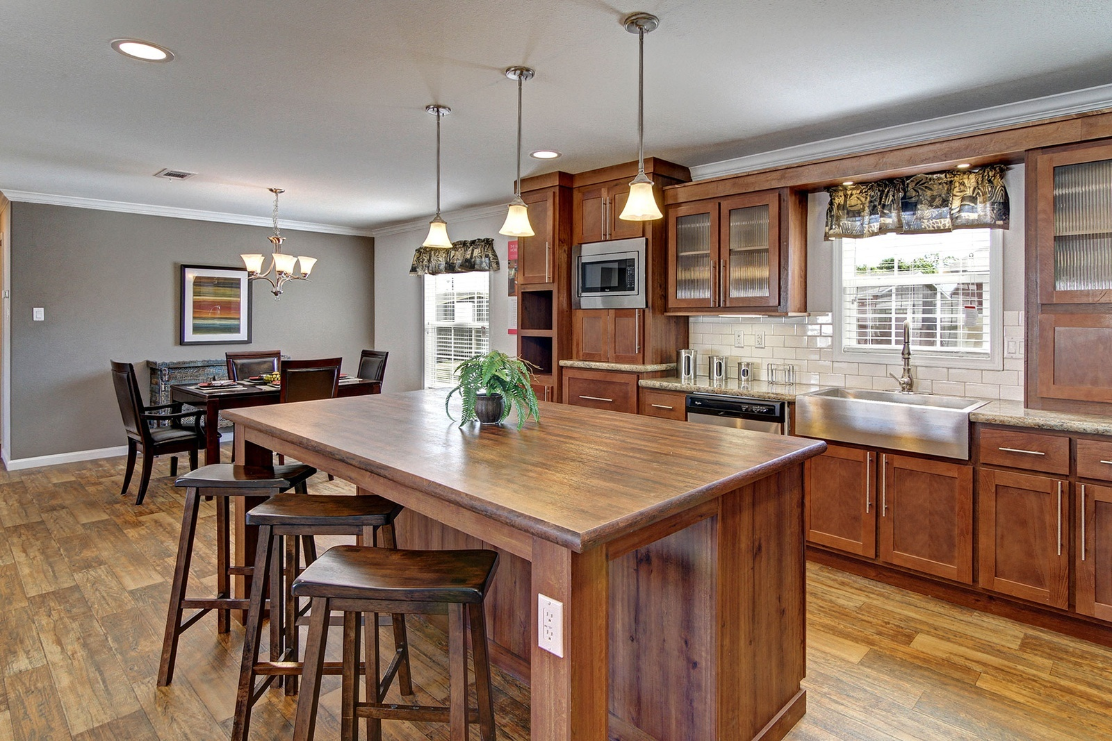 hillcrest-ultimate-kitchen2-2-1600x1067.jpg